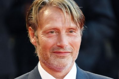 Mads Mikkelsen replacing Johnny Depp in 'Fantastic Beasts'