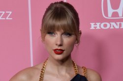 Taylor Swift announces new album, 'Evermore,' out midnight