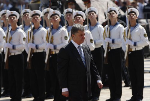 Ukrainian president may extend cease-fire for restive east
