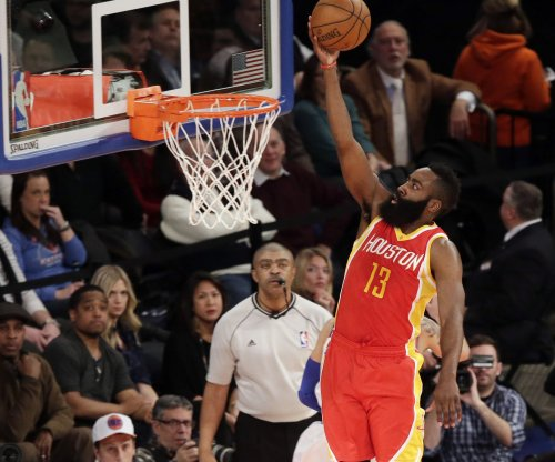 Houston Rockets, Mavericks tip it up in Big D