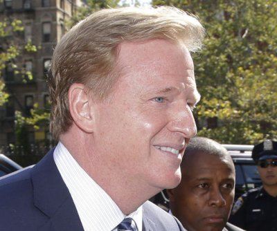 NFL owners may strip Goodell's authority to discipline players, report says