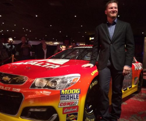 Dale Earnhardt Jr. unveils new paint scheme for 2016