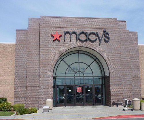 Macy's to close 100 stores starting in early 2017