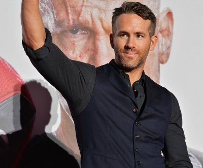 Ryan Reynolds plays video-game background character in 'Free Guy' trailer