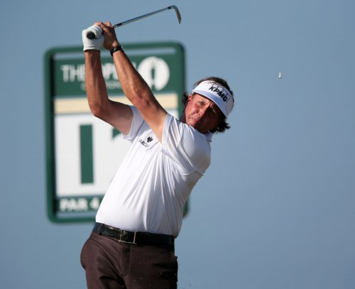 Mickelson, Day move up in world golf rankings