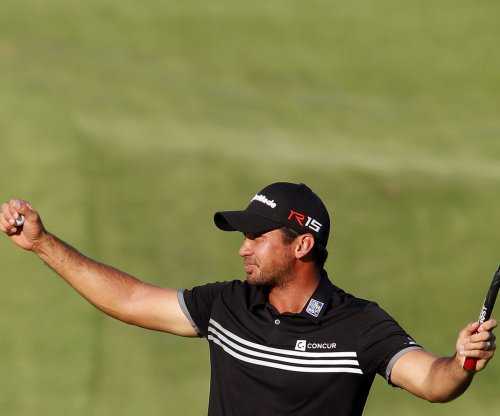 Jason Day shoots 69, ups BMW lead to 6 strokes