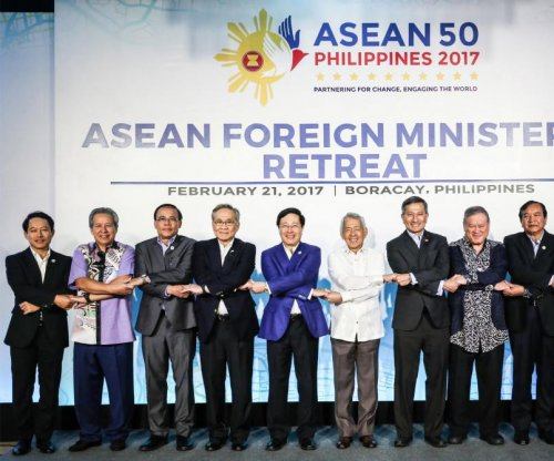 ASEAN members concerned over Chinese militarization in South China Sea