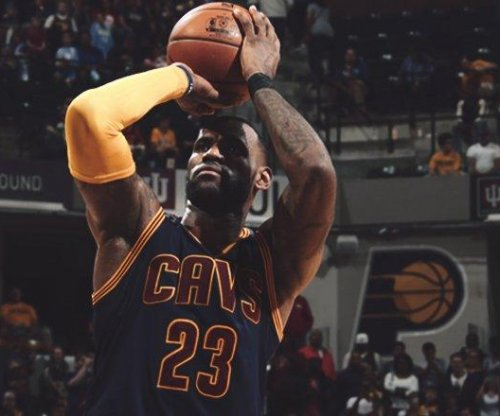LeBron James scores 33 as Cleveland Cavaliers sweep Indiana Pacers