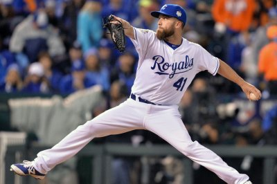 Kansas City Royals rally past New York Yankees with four homers