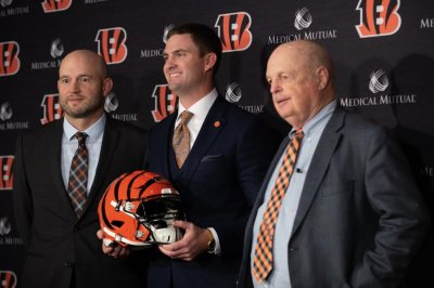 Cincinnati Bengals finalize coaching staff, hire two assistants