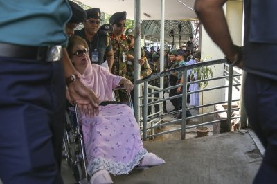 Ex-Bangladeshi PM Khaleda Zia released from prison amid pandemic