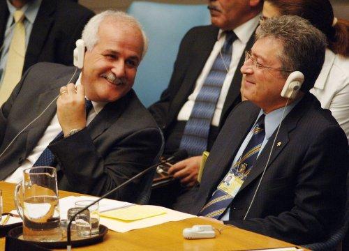 Palestinian envoy studies UNESCO vote