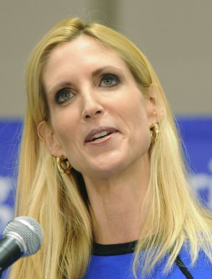 Coulter says Palin should keep current gig