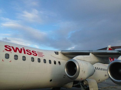 FBI: $1.2M missing from NYC-bound Swiss plane