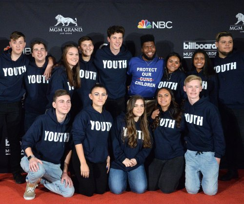 Mendes, Khalid perform with Stoneman Douglas High School choir