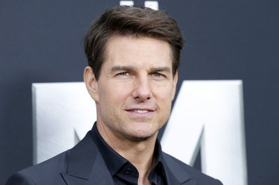 Tom Cruise teases 'Top Gun 2' as sequel enters production