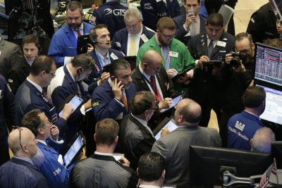 Crude oil prices ease on renewed concern about a weaker economy