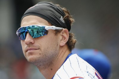 Cubs' Albert Almora Jr. distraught after striking child with foul ball