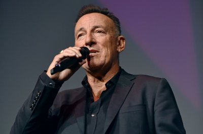 Bruce Springsteen to be honored with Woody Guthrie Prize