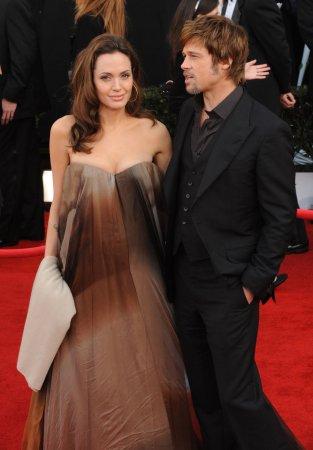 Report: Jolie, Pitt expecting twins