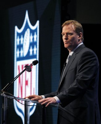 Goodell says NFL will avoid work stoppage