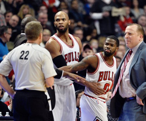 Chicago Bulls finish strong, beat Houston Rockets