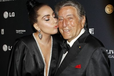 Tony Bennett, Lady Gaga and Seth MacFarlane booked for NBC's New Year's Eve special