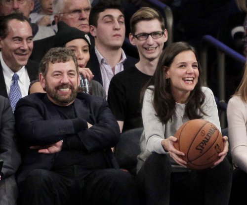 Knicks owner rips fan, tells him to root for Nets