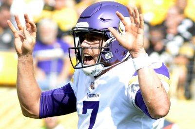 Minnesota Vikings shut down shorthanded Green Bay Packers