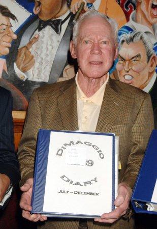 Auction: DiMaggio's jersey, Jackson's bat