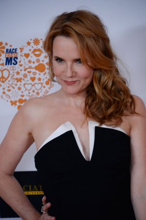 Lea Thompson eliminated from 'Dancing with the Stars'