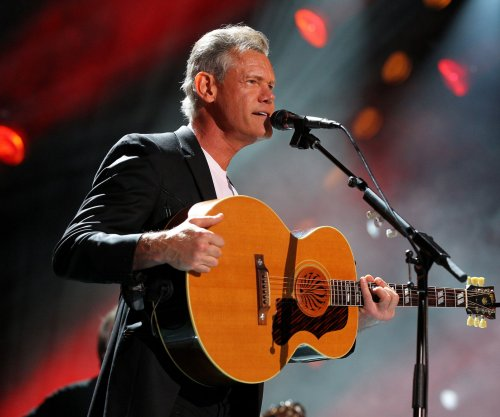 Randy Travis, Jennifer Nettles to perform at the CMA Awards ceremony in Nashville