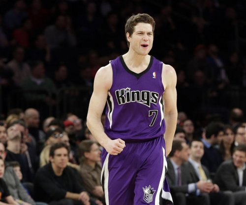 Jimmer Fredette scores 73 in China league game