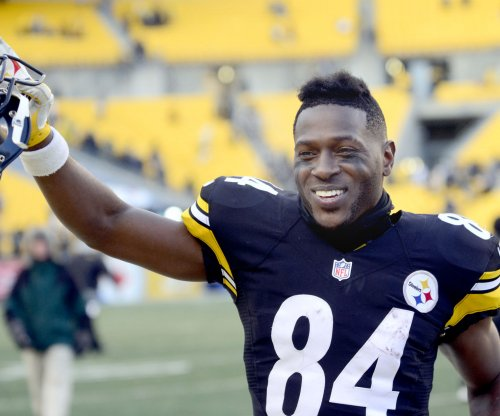 Antonio Brown celebrates birthday in Miami with Rolls-Royce in restaurant