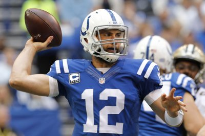 Indianapolis Colts GM: Andrew Luck to start practicing this week