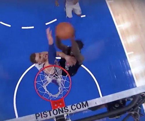 Pistons' Griffin gets big block in first game vs. Clippers