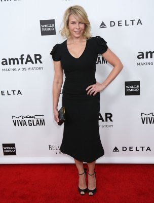 Chelsea Handler donates $100K at amfAR gala
