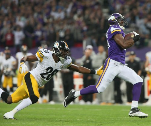 Vikings release Greg Jennings