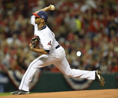 Danny Salazar strikes out 10 as Cleveland Indians defeat Toronto Blue Jays