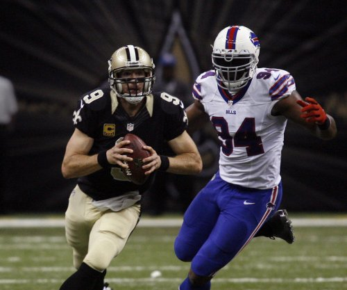 Miami Dolphins host DE Mario Williams