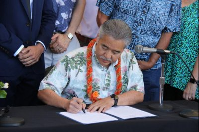 Hawaii passes law committing state to Paris climate deal