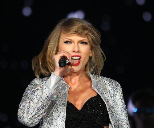 Taylor Swift announces 'Reputation' stadium tour for 2018