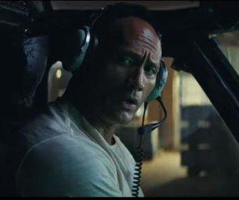Dwayne Johnson tries to save giant silverback gorilla in 'Rampage' trailer