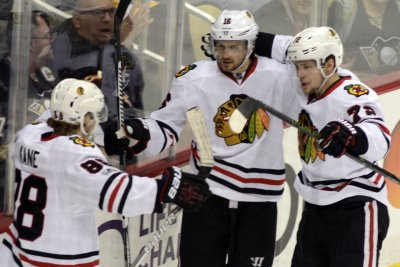 Chicago Blackhawks rally past Florida Panthers in OT