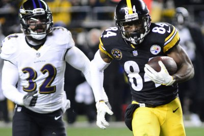 Steelers WR Brown falls ill, sent home