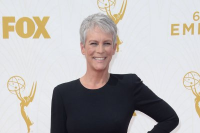 Jamie Lee Curtis cast in Rian Johnson's 'Knives Out'