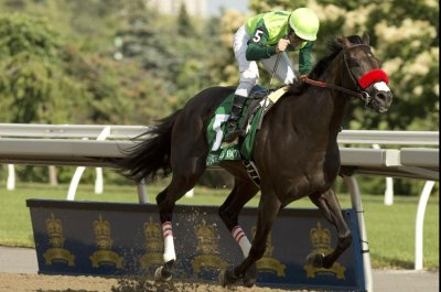 One Bad Boy wins Queen's Plate; 2017 Plate winner returns to win on same card