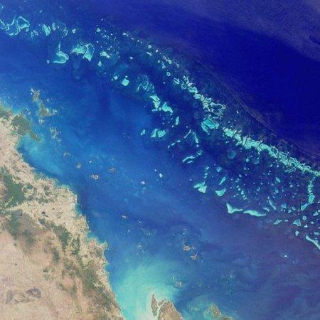 Seafloor collapse threatens tsunami