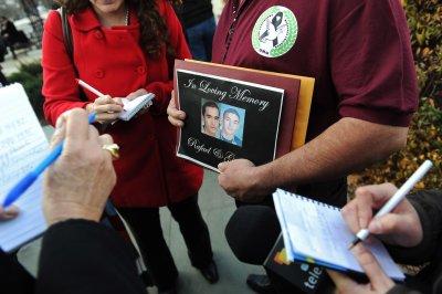 MomsRising leads push for gun-stopping action