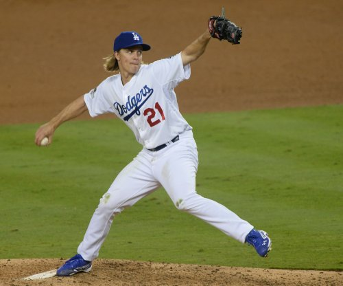Reports: Zack Greinke agrees to six-year deal with Diamondbacks